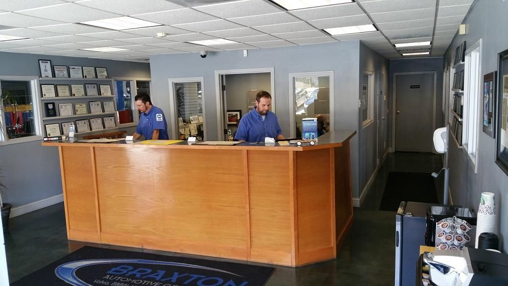 the front desk at Braxton Automotive