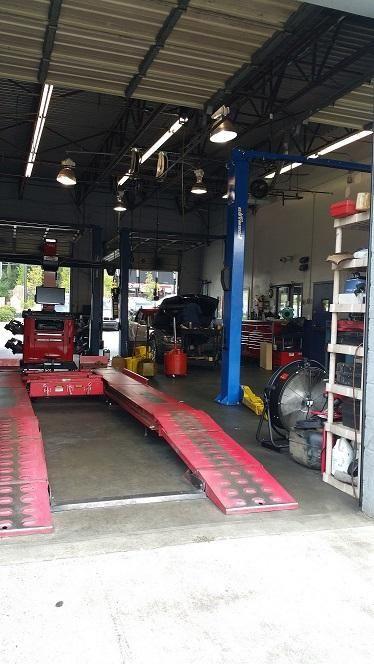 the inside of Braxton Automotive