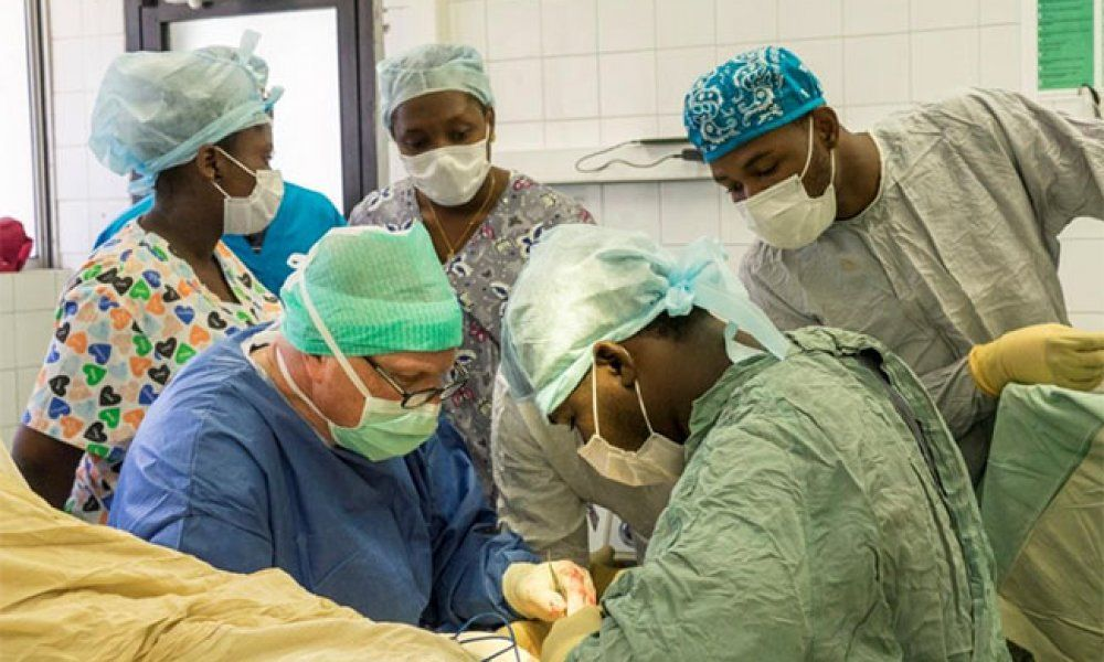 Dr. Veith performs surgery while in Haiti