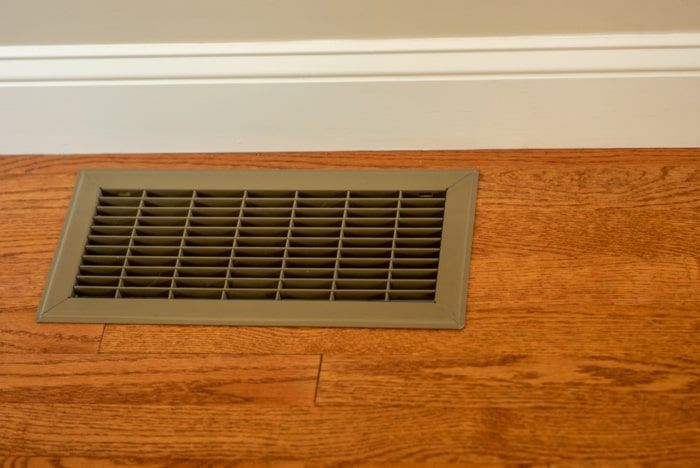 floor vent with poor airflow from ductwork