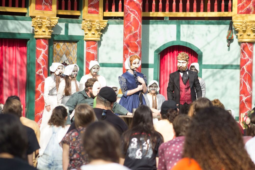 Renaissance performers capture audience's attention (2nd place, news photo, Jicel Munoz, Navasota HS)