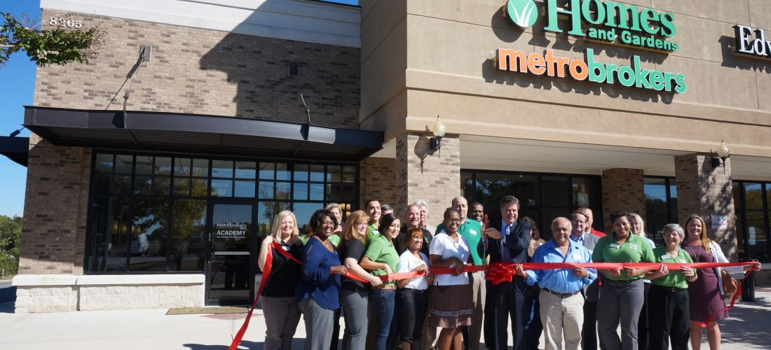 BHGRE Metro Brokers Cuts Ribbon on New Woodstock Office