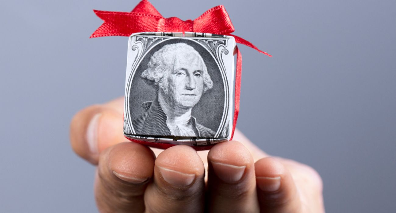 Five Holiday Gifts To Help Your Friends And Family Build Wealth