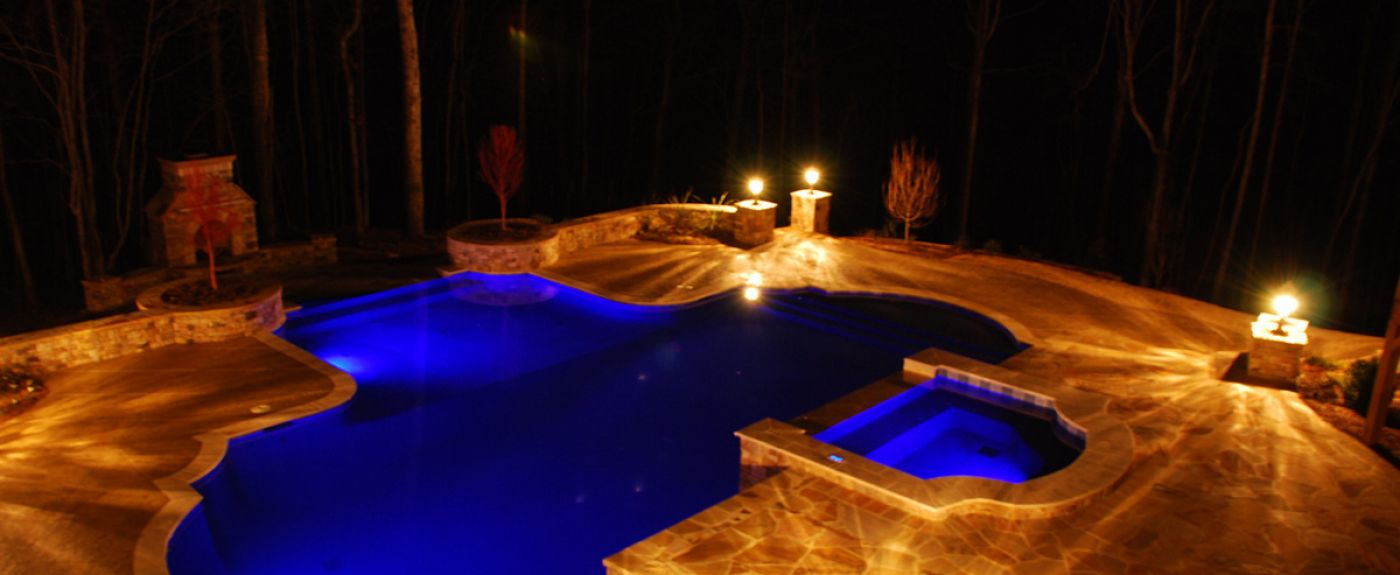 We build custom vinyl & gunite pools.