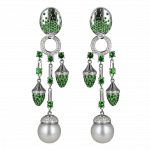 Pager to activate La Pearlina Green Pearl Earrings