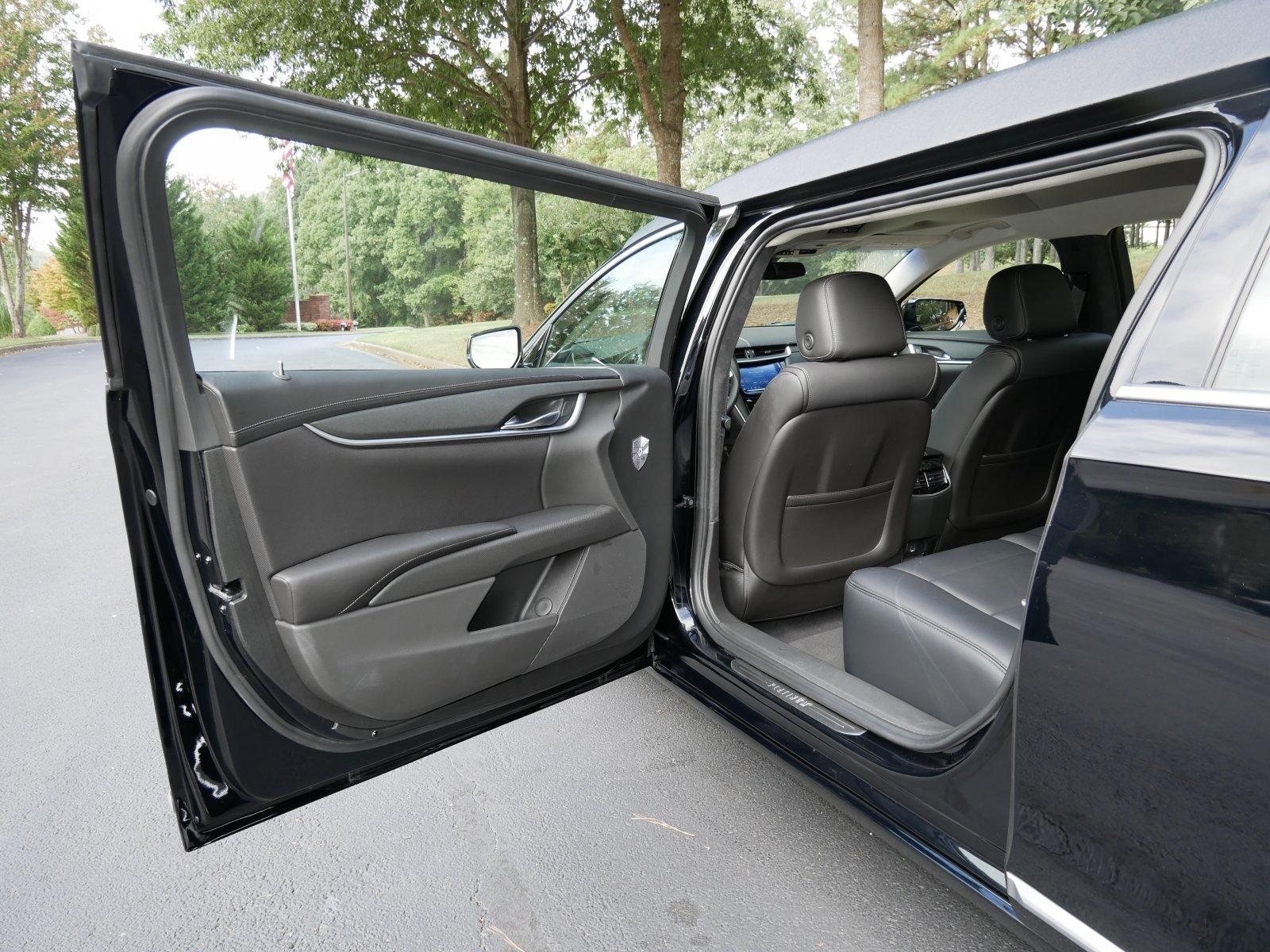 Platinum 6-Door Limousine