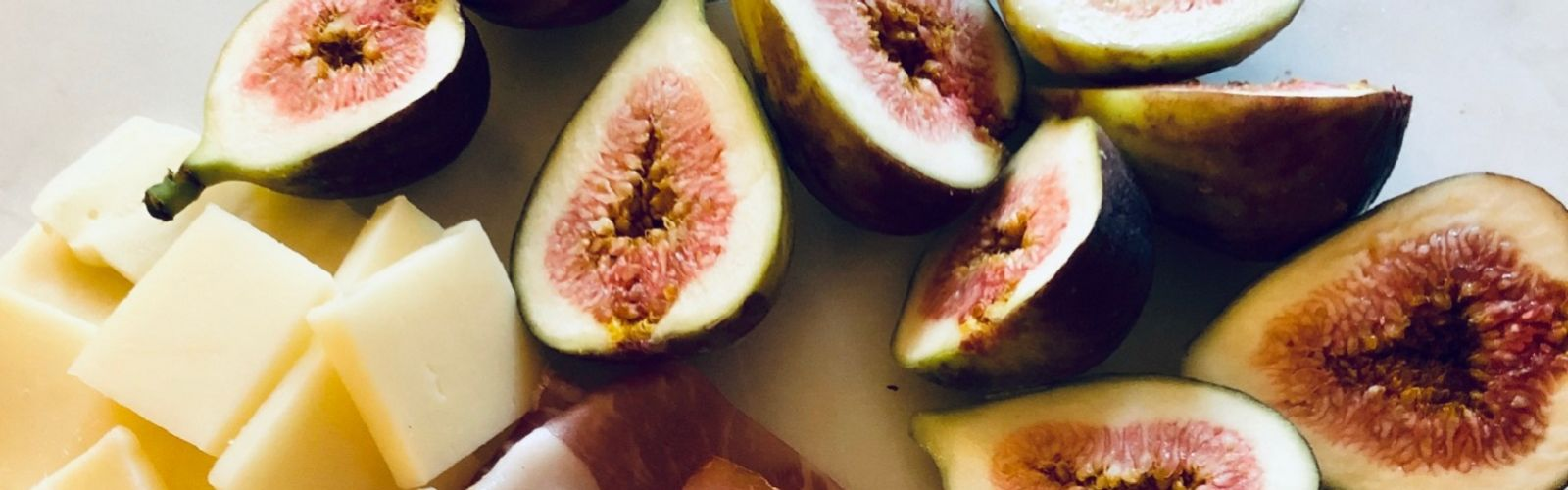 Fresh figs for proscitto wrapped figs