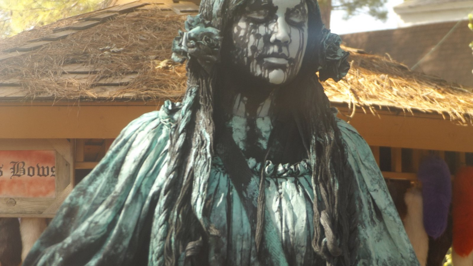 Weeping Angel spotted at Texas Renaissance Festival, school days. Where is The Doctor? - Peldar Stogsdill