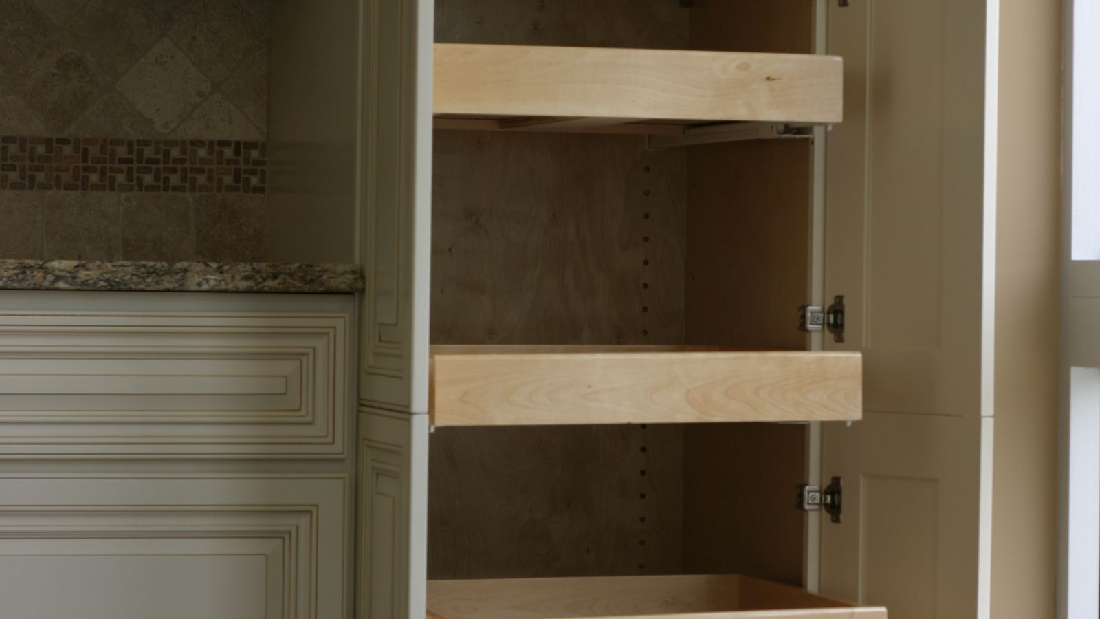 St Simon Kitchen Frugal Kitchens Amp Cabinets