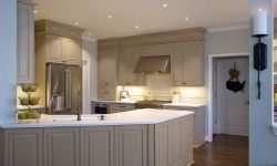 Thumbnail control image for a warm kitchen with a peninsula