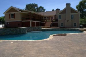 Gunite Pool with Custom Decking/Tanning Shelf