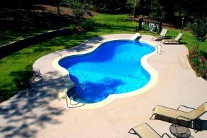 Freeform Vinyl Pool with Diving Board
