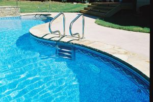 Freeform Vinyl Pool With Slide/Water Feature