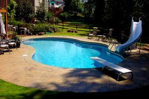 Freeform Vinyl Liner Pool W/Slide & Diving Board