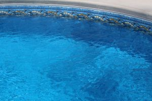 Freeform Pool With Vinyl Liner