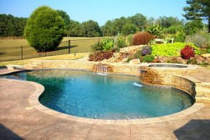 Gunite Pool w/water features and spa