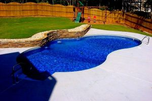 Freeform Vinyl Liner Pool W/Water Feature