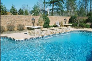 Freeform Vinyl Liner Pool with Water Feature