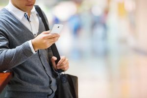 How to Attract Customers With Mobile Search