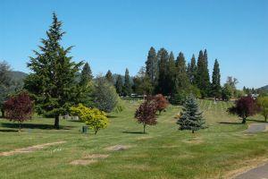 Roseburg Memorial Gardens