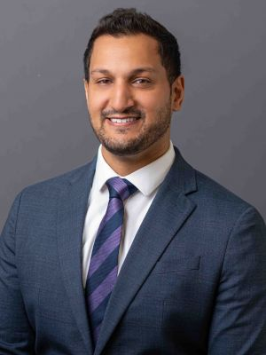 Usker Naqvi MD