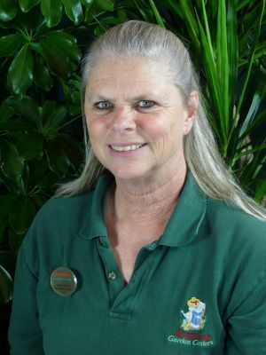 Linda Leathers, Manager