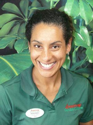 Nicole Medici, Manager
