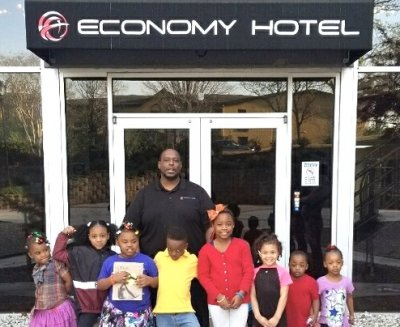 Economy Hotel, Marietta, Hosts After School Program