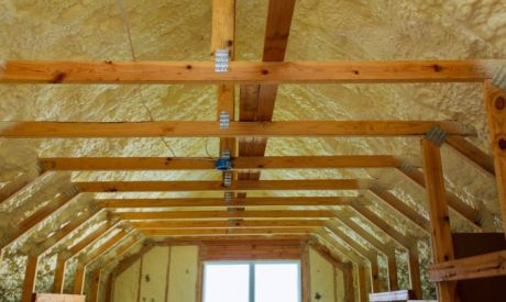 5 Ways Spray Foam Insulation Impacts HVAC Performance
