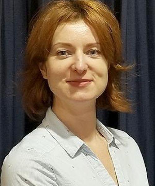 Headshot for Anna Surkus
