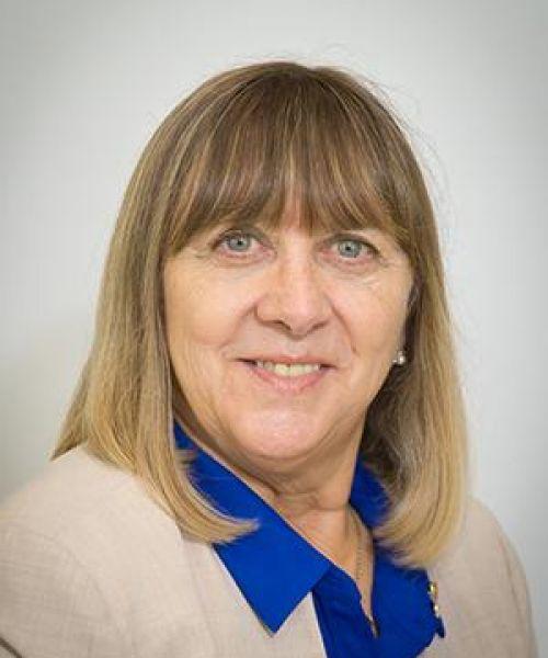 Headshot for Catherine Evans