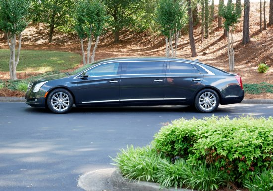 2014 Eagle 6-Door Limousine