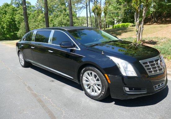 2014 S&S Cadillac Limo E9156979
