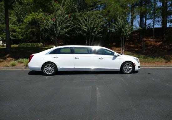 Cadillac Limo (White) 550100