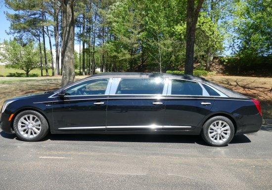 2016 Eagle Cadillac Limo 550356