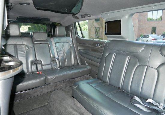 Eagle MKT Lincoln Limousine