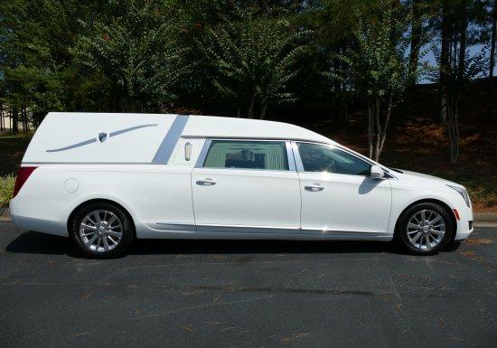 Cadillac Platinum (White) -500391