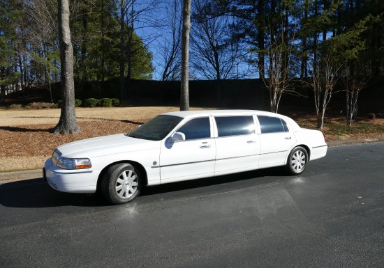 LINCOLN LIMO 2 IN STOCK!