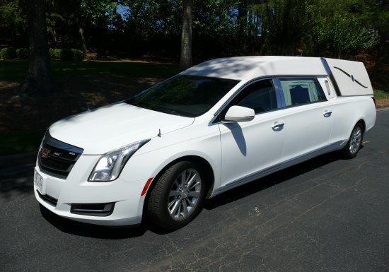 2016 Platinum Cadillac Hearse G9500531