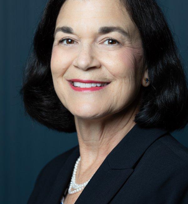 Elizabeth A. Salvati headshot