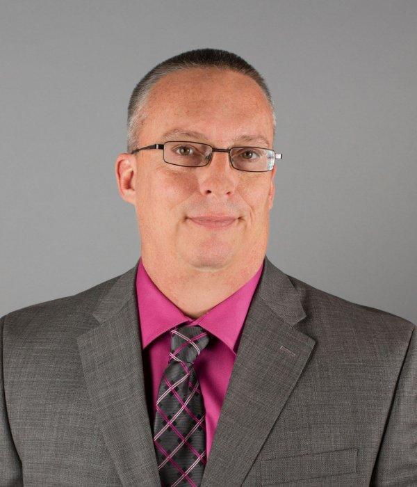 Kevin  Brown headshot