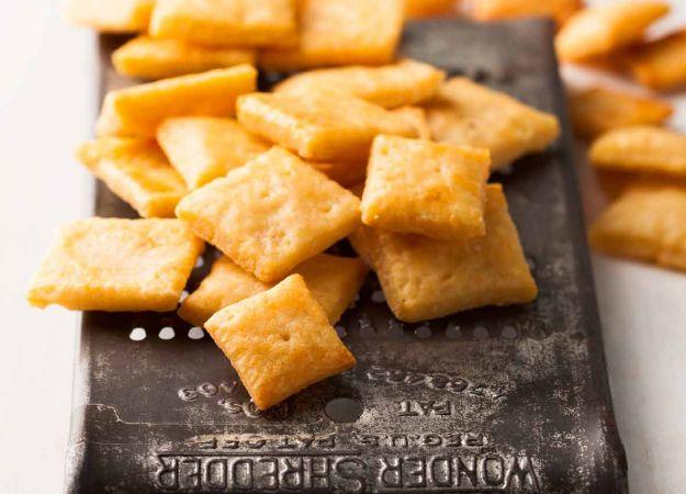 Recipe: Homemade Cheese Crackers