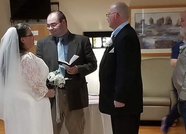 Couple says 'I do' on Reid Health's ARU