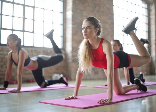 How to Use Weightlifting and Stretching to Prevent Muscle Strain