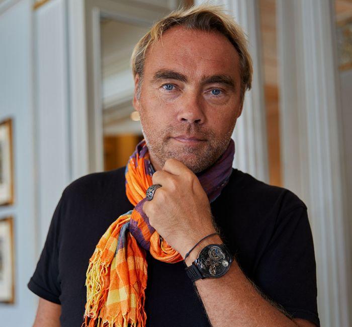 Johan Ernst Nilson looking at the camera