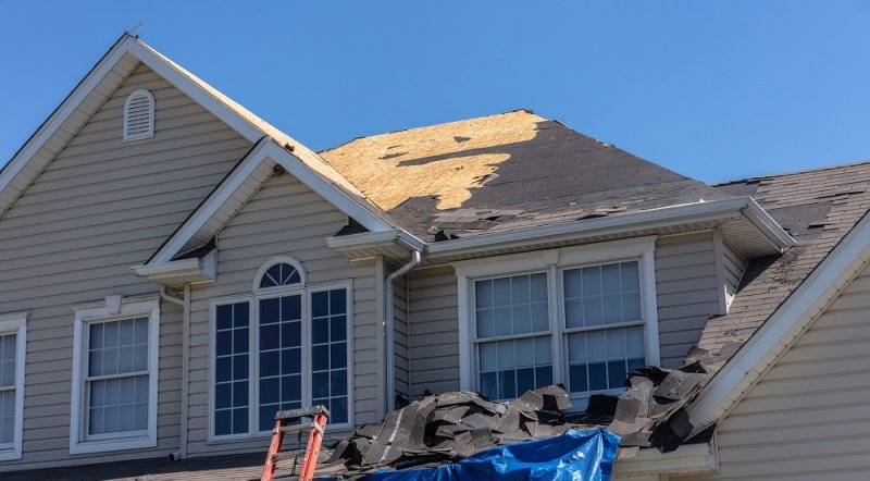 Common Reasons Not to DIY Roofing Projects image