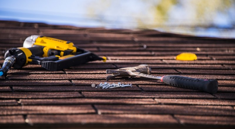 Top 3 Considerations When Hiring a Commercial Roofing Contractor image
