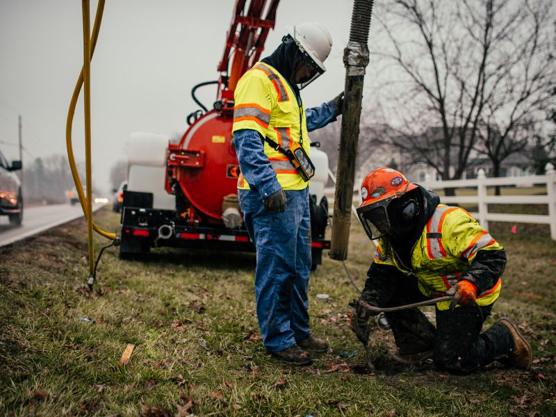 Mason's SUE services remove the risk of downtime and any other major underground utility conflicts prior to breaking ground.