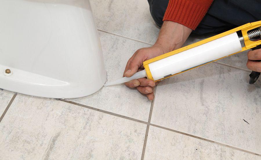 Toilet When Tiling The Bathroom Floor