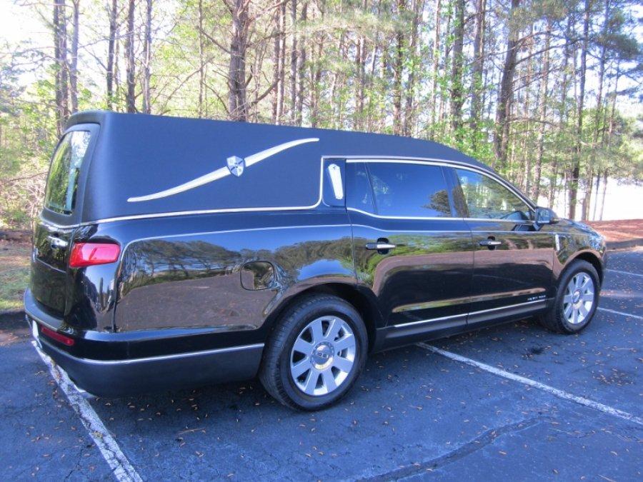 MK Coach Lincoln Town Car